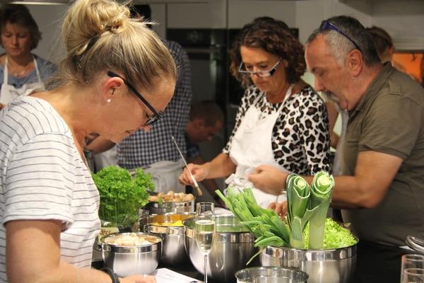 Mediterrane Sommerküche : Mediterrane küche und alles über tomaten jetzt bei tchibo
